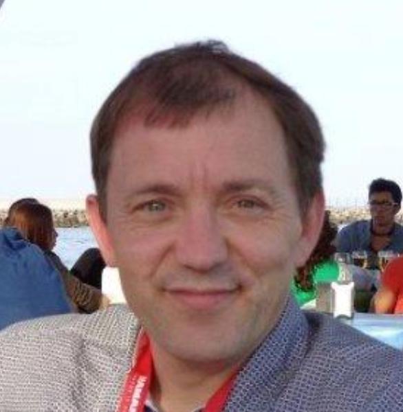 Dr. Bouchez Syefaan