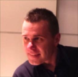 Dr. Erik De Vadder